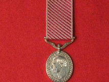 MINIATURE AIR FORCE MEDAL AFM GVI