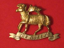 THE QUEENS REGIMENT BUFFS CAP BADGE