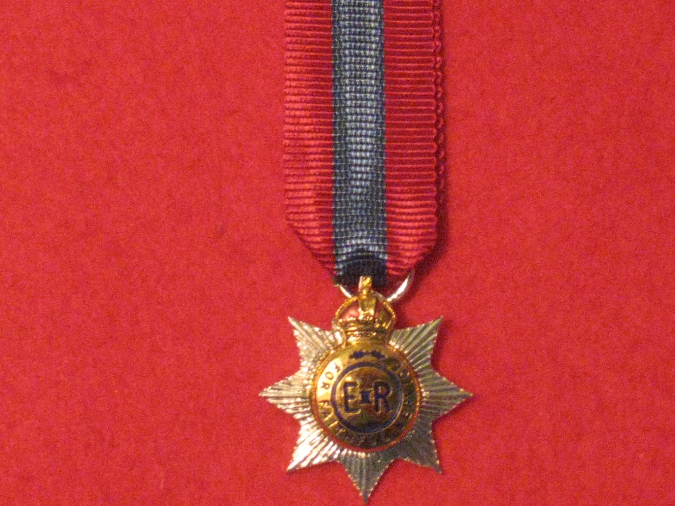 Miniature Medal DISTINGUISHED SERVICE ORDER EIIR