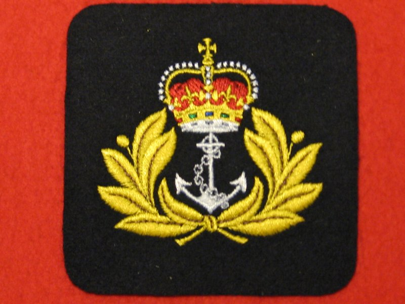ROYAL NAVY ANCHOR AND CROWN BLAZER BADGE - Hill Military Medals