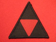 BRITISH ARMY 3RD INFANTRY DIVISION FORMATION BADGE RED TRIANGLE ON BLACK FS156
