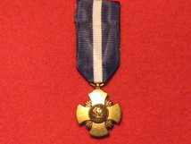 MINIATURE USA UNITED STATES OF AMERICA NAVY CROSS MEDAL
