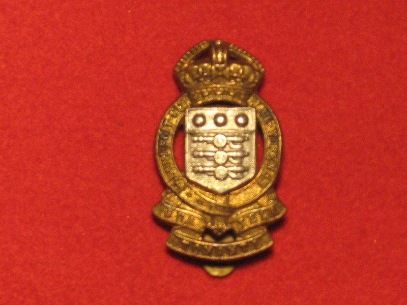 ROYAL ARMY ORDNANCE CORPS RAOC CAP BADGE KC POST 1947 - Hill