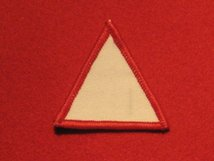 BRITISH ARMY 1ST INFANTRY DIVISION FORMATION BADGE WW2 WHITE TRIANGLE RED EDGE